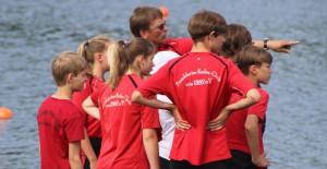 Trainer-mit-Mannschaft